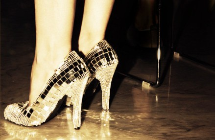 disco,feet,shoes,fashion,want,glitter-8b4875159cc3019b8863f17bb7cd520f_h