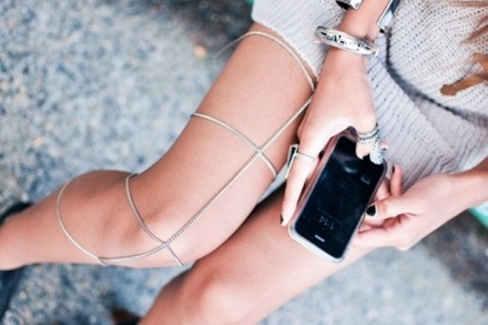 bracelet-fashion-iphone-jewelery-legs-Favim.com-132233